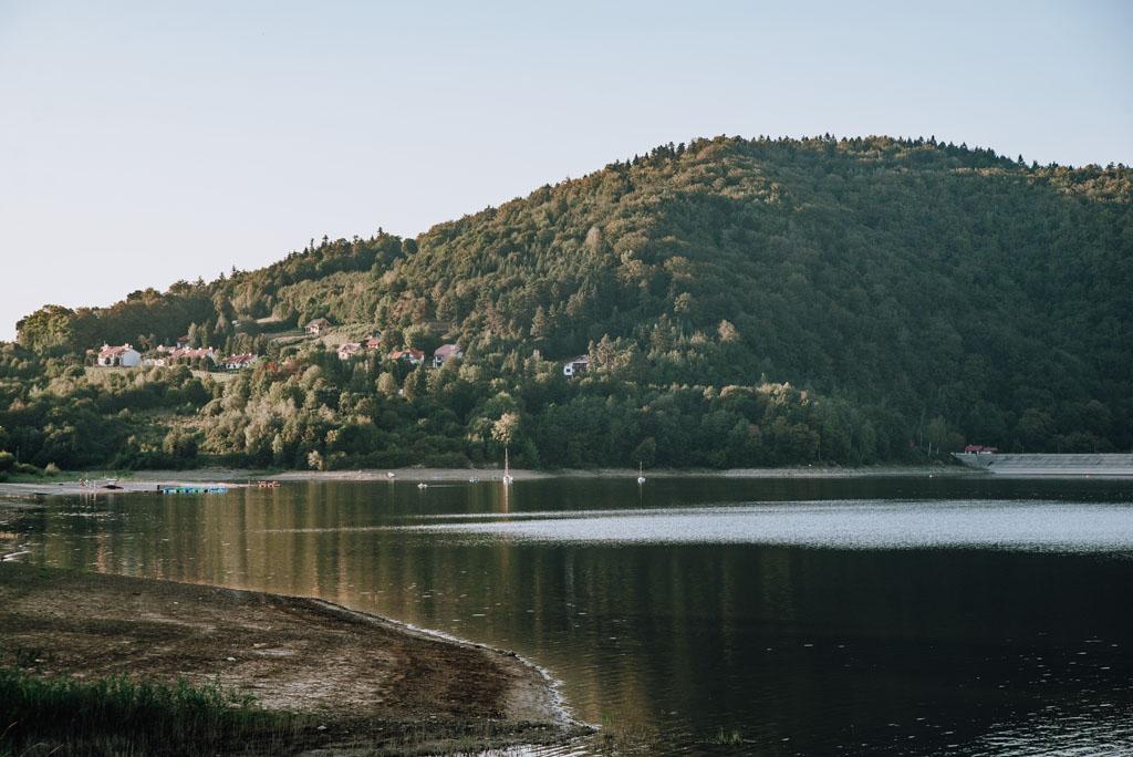 Szczyty nad Jeziorem Klimkowskim