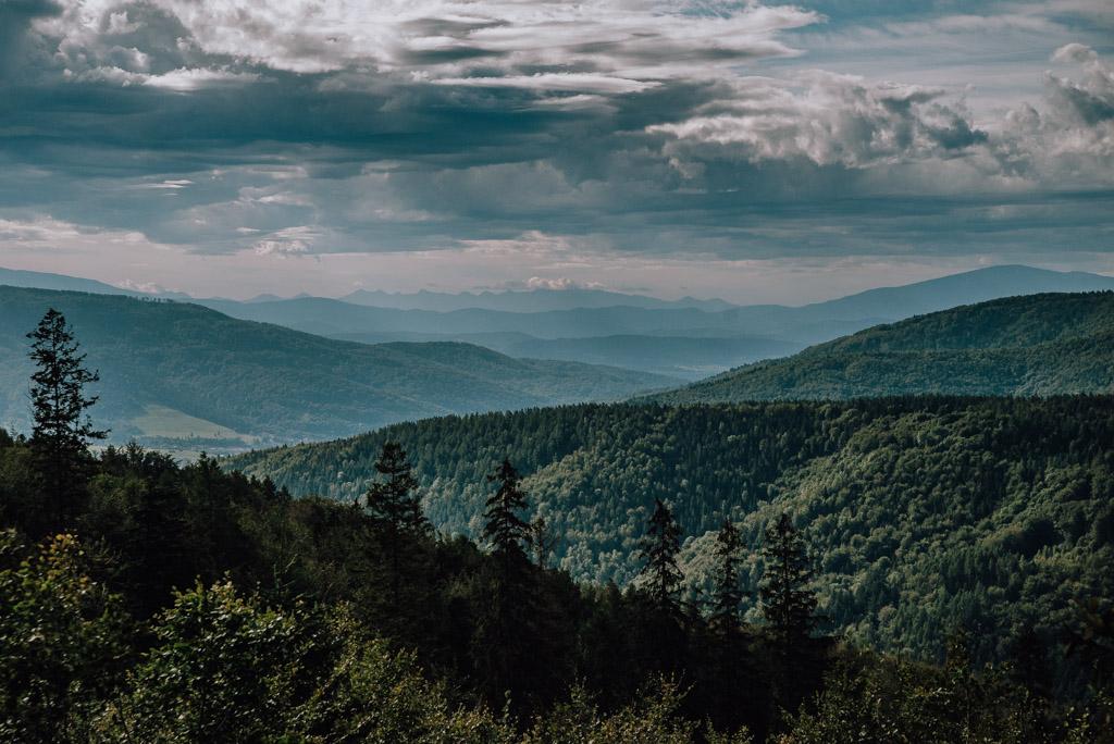 Widok na Tatry z Przełęczy u Panienki