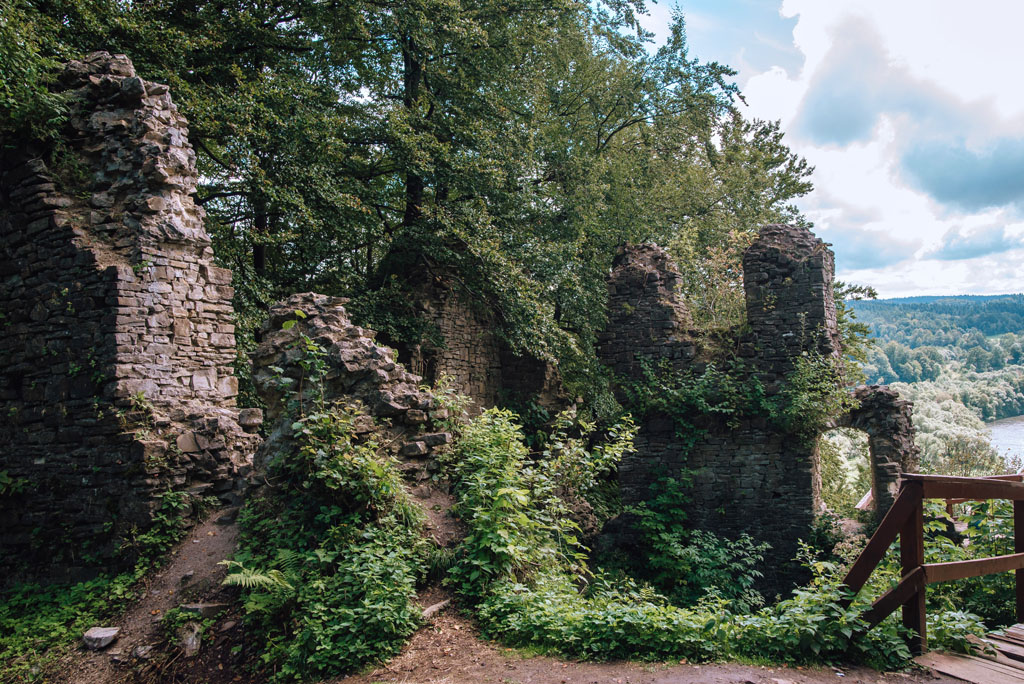ruiny budowli