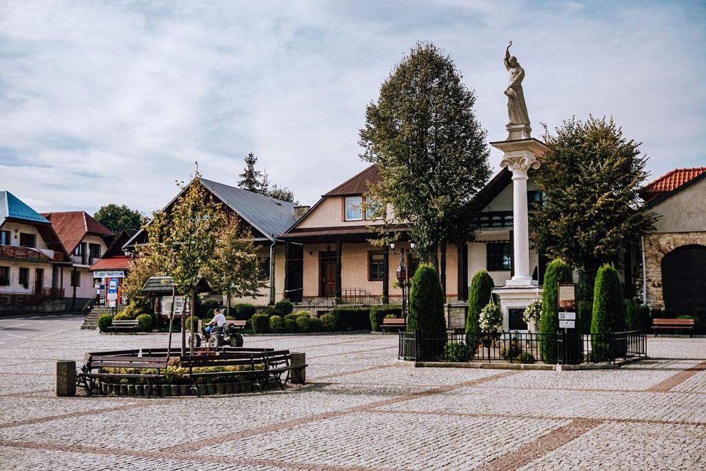 Rynek w Lipnicy Murowanej obok Bochni
