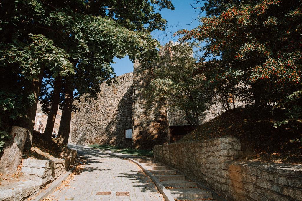 Wejście na Zamek Bolków