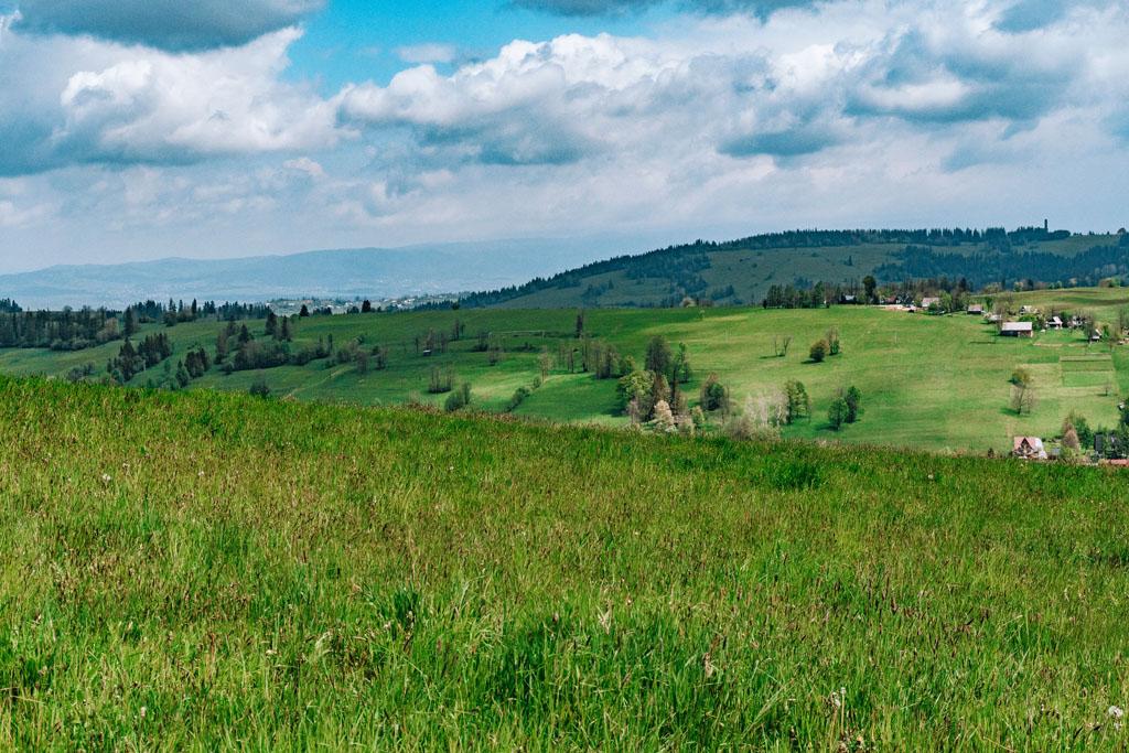 Widok na Gorce spod Ostrysza