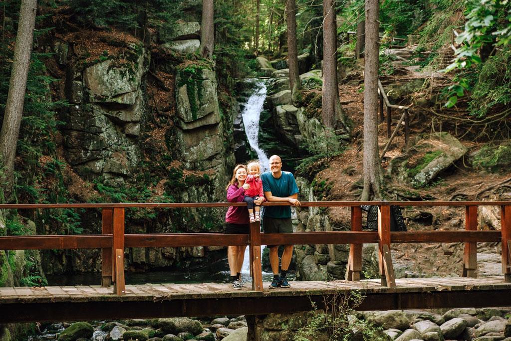 Wodospad Podgórnej z dzieckiem