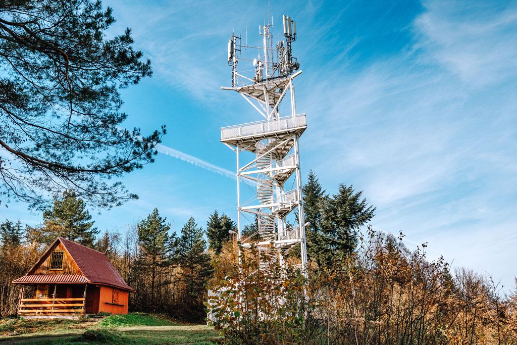 Wieża widokowa na Górze Chełm w Myślenicach