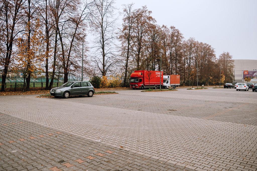 Parking w Myślenicach pod Górą Chełm