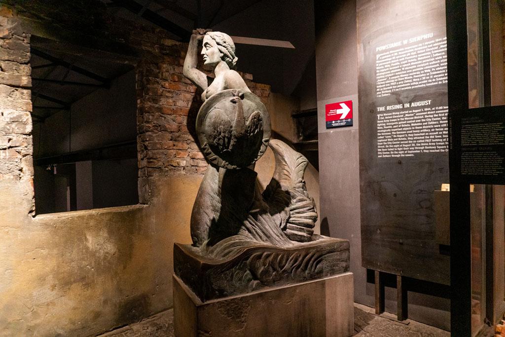 Muzeum Powstania Warszawskiego - syrenka