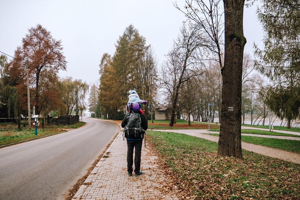Początek szlaku zielonego w Myślenicach-Zarabiu