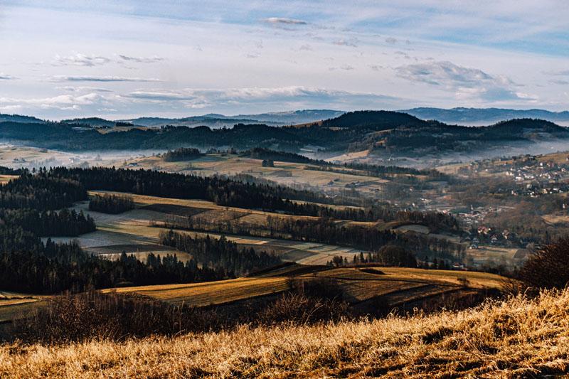 Widok na Gorce ze szczytu