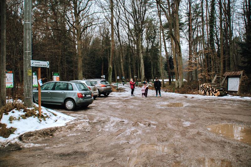 Leśniczówka ŁOŚ Bochnia - parking