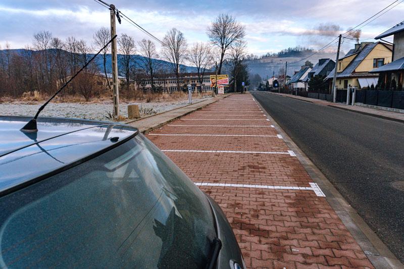 Parking w Mszanie Dolnej przy ulicy Józefa Marka - Adamczykowa