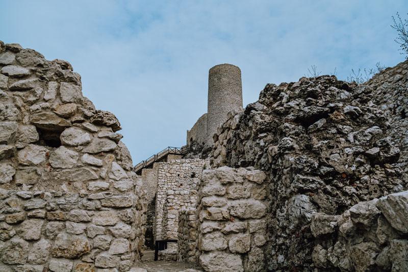 Zamek Pilcza Jura