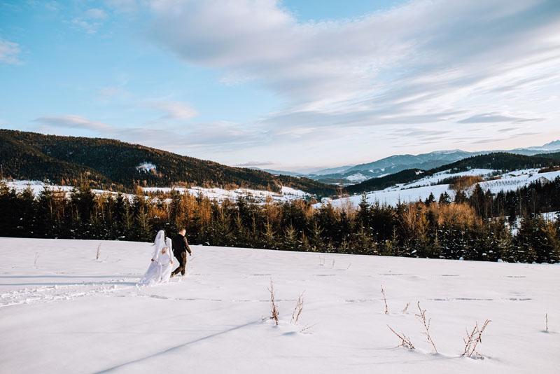 Zimowa sesja ślubna Limanowa