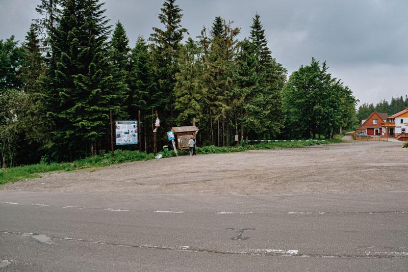 Parking na Przełęczy Salmopolskiej