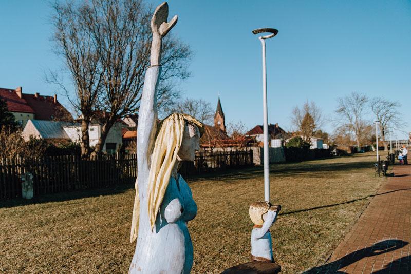 Pomnik kobiety i dziecka nowe warpno