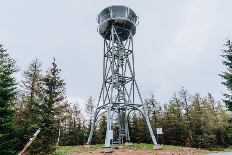 Wieża widokowa na górze