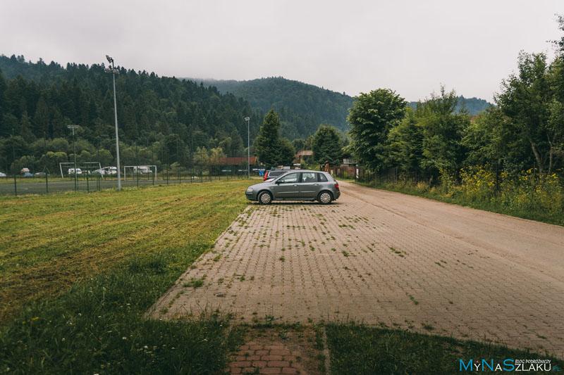 Parking do wieży widokowej Jeleni Skok w Cisnej