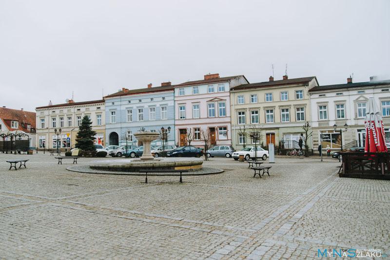 Plac Wolności (Rynek) i Ratusz Wałcz
