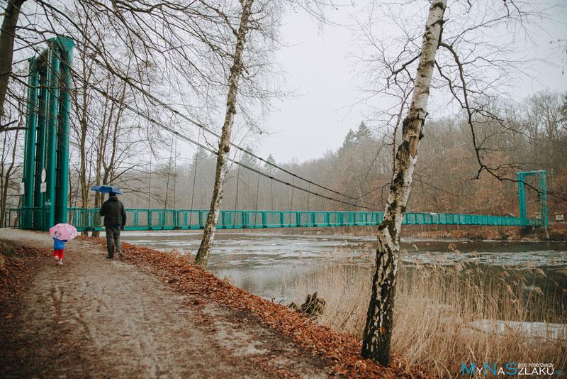 Most wiszący nad jeziorem (inaczej też Most Kłosowski)