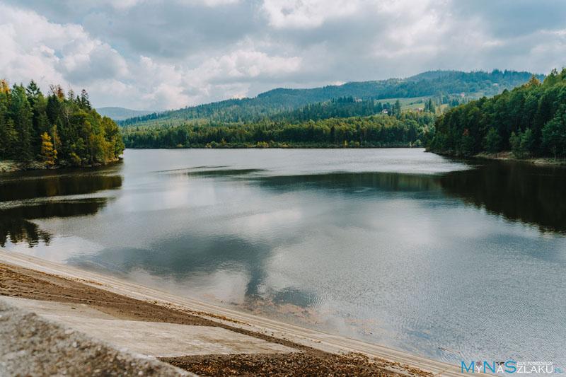 Zbiornik wodny Wisła Czarne i zapora nad Jeziorem Czerniańskim