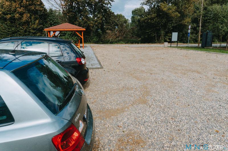 Parking przy wieży w Chałupkach